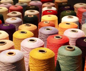 Wholesale Dyed 100% Cotton Yarn Price for Hand Knitting pictures & photos