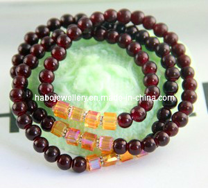 Natural Garnet Bracelet (XBL12968) pictures & photos