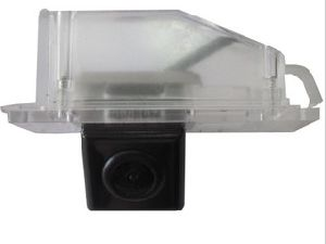 OEM Waterproof Night Vision Car Camera for Mazda Familia pictures & photos