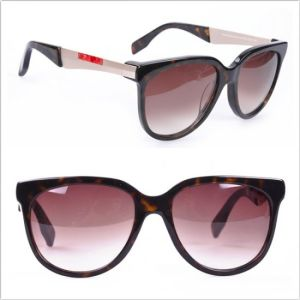 Unisex Fashion Sun Glasses / 2013 Eyewear / Brand Name Sun Glasses (0028G-B) pictures & photos