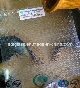 Clear Wanji Patterned Glass with CE, ISO (3-8mm) pictures & photos