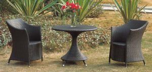Outdoor Bistro Set Rattan Bistro Chairs with Coffee Table pictures & photos
