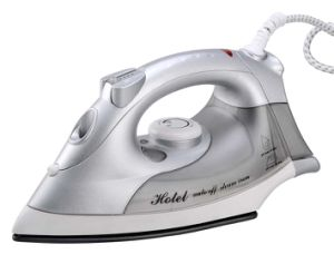 Travelling Steam Iron Electric Iron with Non-Stick Soleplate pictures & photos