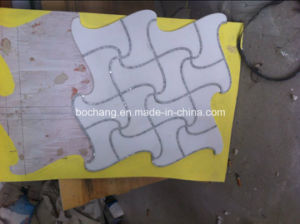 White Marble Waterjet Mosaic Pattern for Bathroom Wall Tile pictures & photos