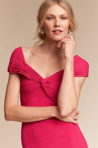 Flattering Cap Sleeves Evening Dress with Featuring a Front Twist Detail pictures & photos