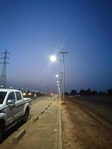 8m 50W Hot Selling Solar Street Light pictures & photos