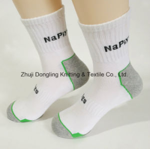 2017 New Styles Man Bamboo Sports Socks pictures & photos