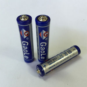 Super Heavy Duty AAA 1.5V R03 Dry Battery (Um4) pictures & photos