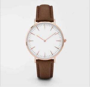 Top Fashion Leather Strap Lady Wrist Watch pictures & photos