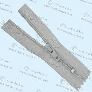 Open-End Zippers for Garments pictures & photos