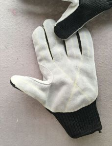 Black Polyester Steel Wire Wrapped Cut Resistance Glove-2365 pictures & photos