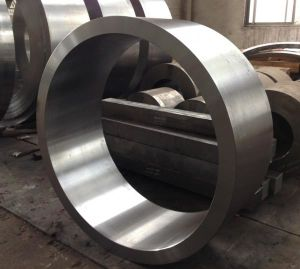 Forged Steel Crankshaft 42CrMo SAE4140 AISI4140 pictures & photos