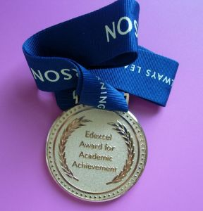 Gold Embossed Medal with Ribbon Drape (ASNY-JL-ME-081603) pictures & photos