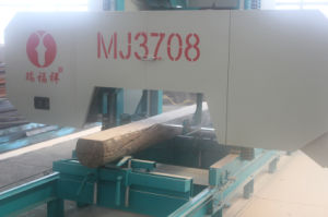 Wedges Wood Cutting Machine Diesel Engine Powered Portable Horizontal Band Sawmill pictures & photos