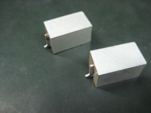 Microwave Dielectric Ceramic Coxial Resonator with 200MHz to 5GHz pictures & photos