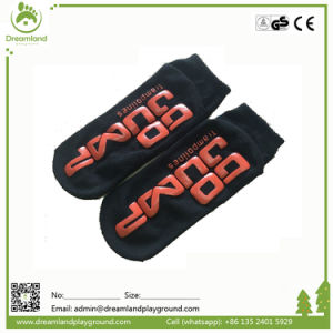 Factory Directly Customized Anti-Slip Bounce Trampoline Park Socks pictures & photos