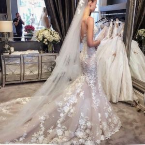 New Style Elegant White A Line Strapless Low Back Empire Waist Floor Length Chapel Train Dress for Civil Wedding (MN1249) pictures & photos
