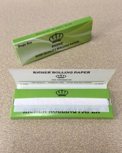 Custom Logo Printed Cigarette Rolling Papers Fsc Certificate pictures & photos
