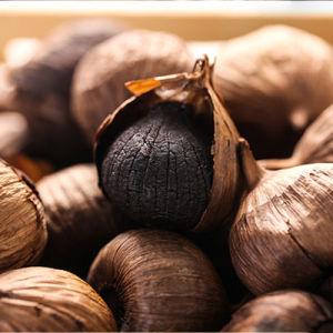 High Quality Single Clove Black Garlic Made of China 400g/Bag pictures & photos