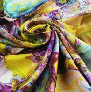 2015 Hot Selling Floral Printed Chiffon Fabric pictures & photos