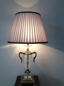 Phine 90247 Clear Crystal Table Lamp with Fabric Shade pictures & photos