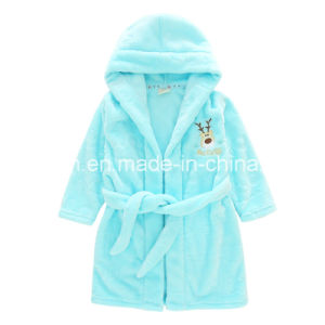 Children′s Cartoon Bathrobe Flannel Nightgown with Embroideried Deer