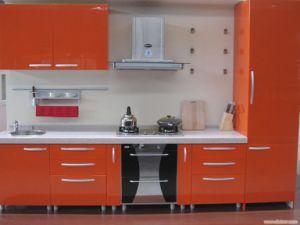 18mm Glossy Kitchen Cabinet Door pictures & photos