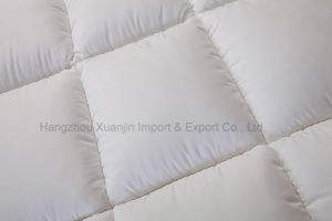 Super Soft Quilted Microfiber Mattress Topper pictures & photos