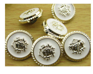 2014 Hot Sale Metal Button in Oil