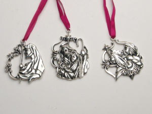 Christmas Silver Ornaments Xmas Tree/ Santa / Angel / Bless This Home / Heart pictures & photos