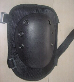 Hot Sale High Quality Black Knee Guard pictures & photos