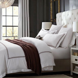Wholesale Hotel Collection White Cotton Sateen Hotel Embroidery Bedding Set pictures & photos
