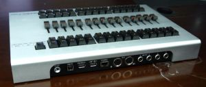 Grand Ma Fader Wing Stage Light Console DMX Controller pictures & photos