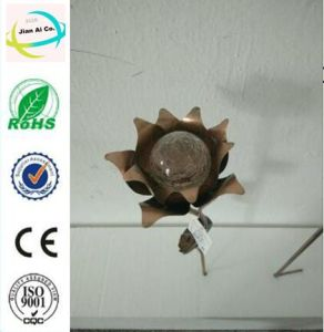 Flower Shape Metal Solar Power Lamp for Garden pictures & photos