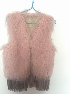 Fur Vest with Fringes No. F001 pictures & photos