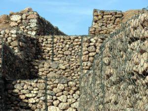 Galvanized Welded Gabion Box/Stone Cages/ Gabion Retaining Wall pictures & photos