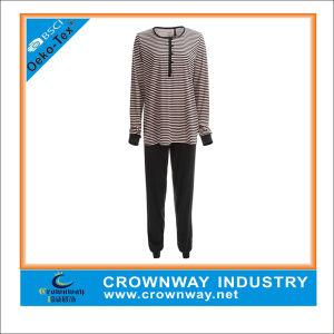 Women′s Cotton Interlock Printed Sleepwear Pajama Suit pictures & photos