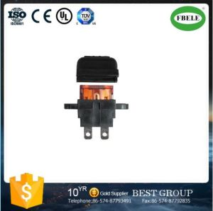 Plug-in Car Fuse Holder Medium Plug in Fuse Holder PCB Mount Type Blade Fuse Holder pictures & photos