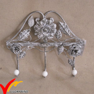 Decorative Vintage Metal Wall Mounted Coat Rack Hooks pictures & photos