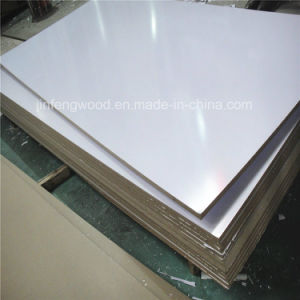 ISO9001: 2008 Furniture Grade 1220*2440mm White Color Glossy Surface Melamine MDF pictures & photos