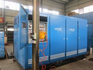 Industrial Big Capacity Oil Fooled Rotary Screw Air Compressor (KF250-08) pictures & photos