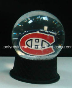 Resin Personalized Snow Globe with Logo Inside pictures & photos