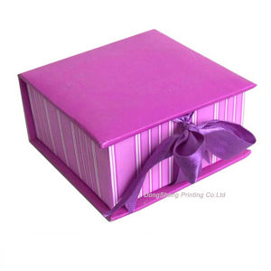 Delicate Design of Paper Gift Packaging Box with Ribbon pictures & photos