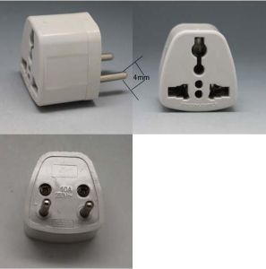 Plastic World Travel Plug Adapter pictures & photos