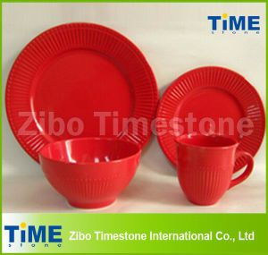 16PCS Ceramic Red Color Embossed Dinner Set pictures & photos