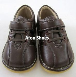 Boy Squeaky Shoes B124