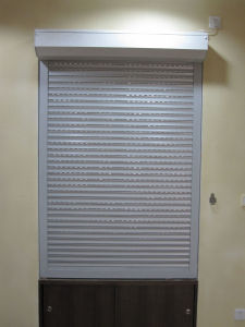 Outside Aluminum Shutter Window (TS-326) pictures & photos
