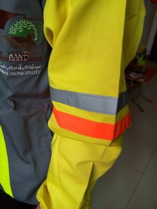 High Quality Men' S High Visibility Security Safety Reflective Jacket pictures & photos