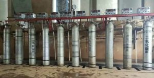 Gas Cylinder Rack/Auto-Shift Gas Cylinder Manifold pictures & photos