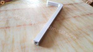 Aluminium Hand Grip for Kitchen Cabinet with Deep Processing Treatment pictures & photos